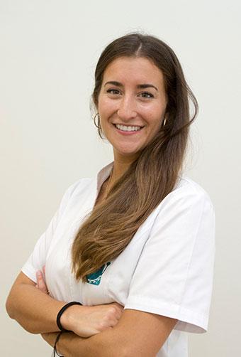Cristina-vazquez-Odontóloga---Dedicación-preferente-a-la-endodoncia-y-estética-clinica-sciaini